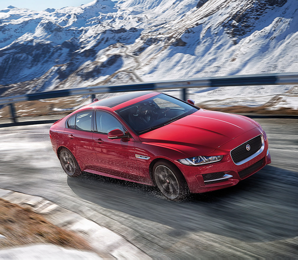 JAGUAR_XE_AWD_Location_09