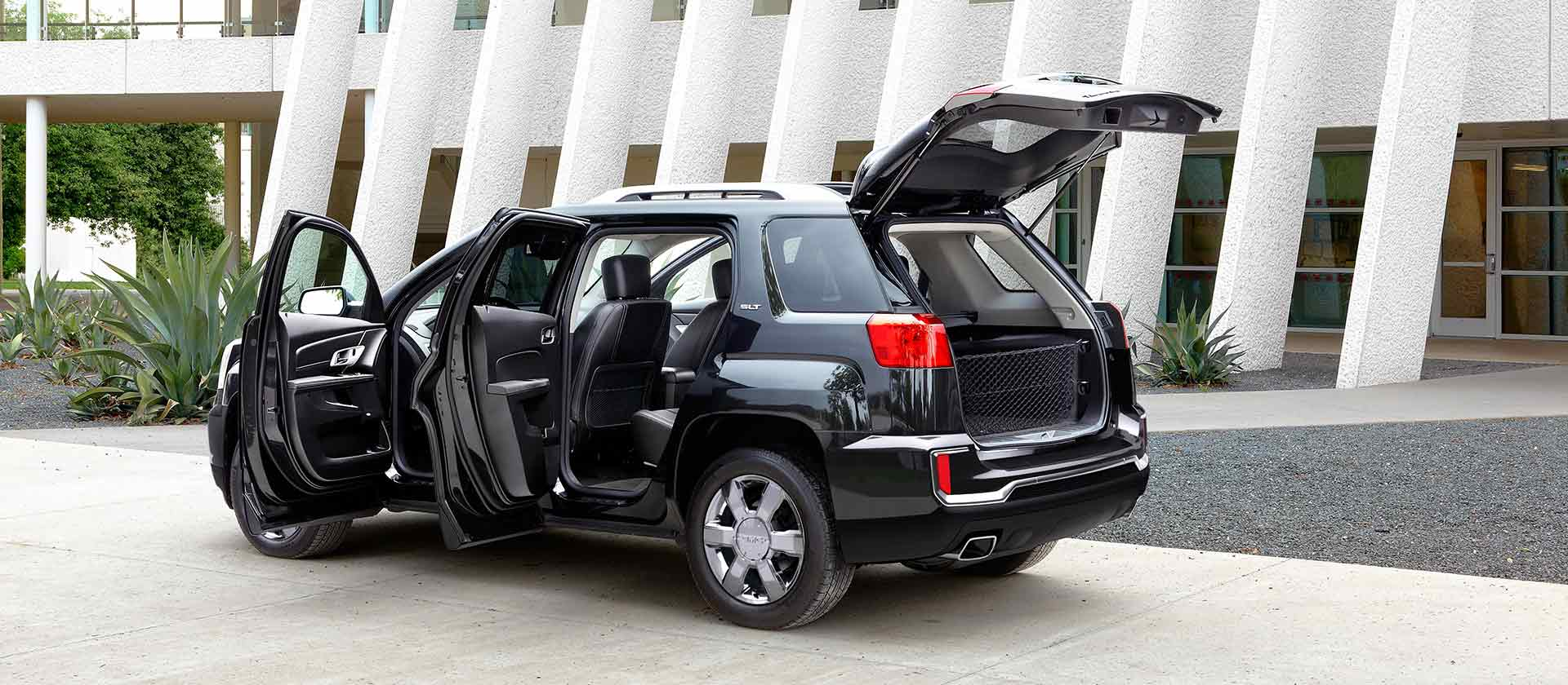 2016 GMC Terrain doors open