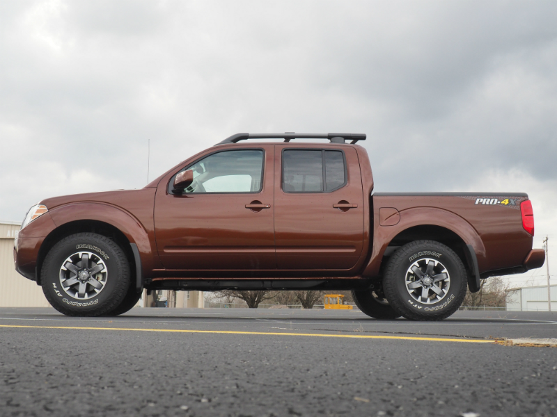 2016 Nissan Frontier PRO-4X Photo Shoot 007
