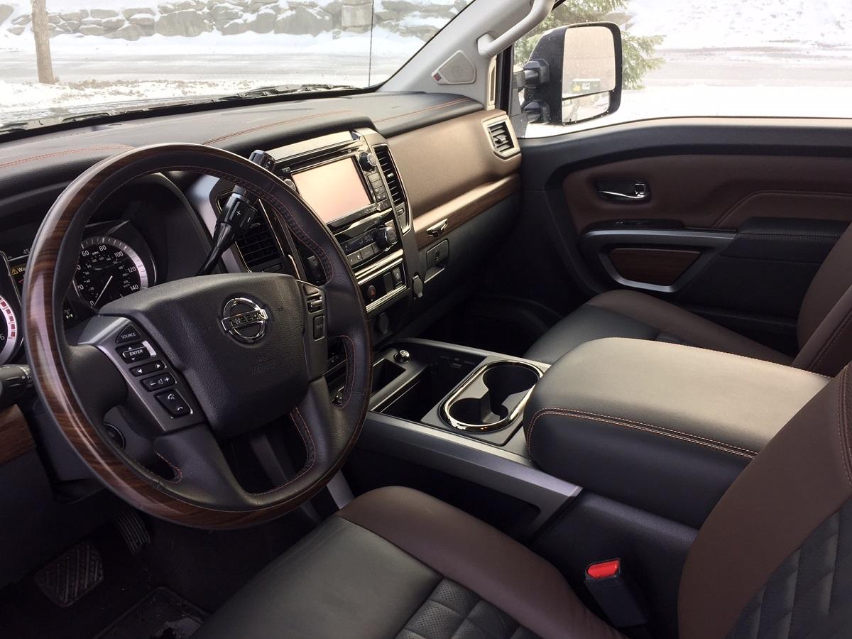 2016 Nissan Titan XD Dash