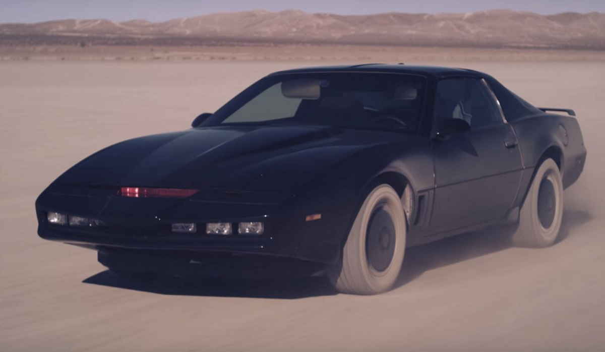 Kitt Is Back In Quot Knight Rider Heroes Quot Bestride