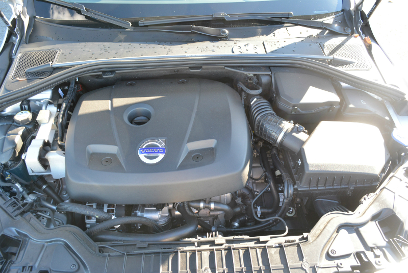 Volvo S60 T6 Engine photo