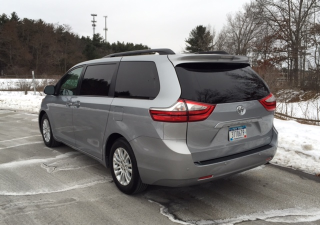 review 2015 toyota sienna xle it 39 s why you want a minivan bestride. Black Bedroom Furniture Sets. Home Design Ideas
