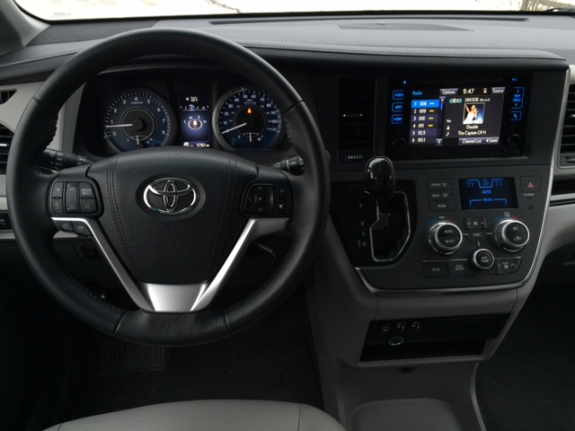 2015 Toyota Sienna XLEDash