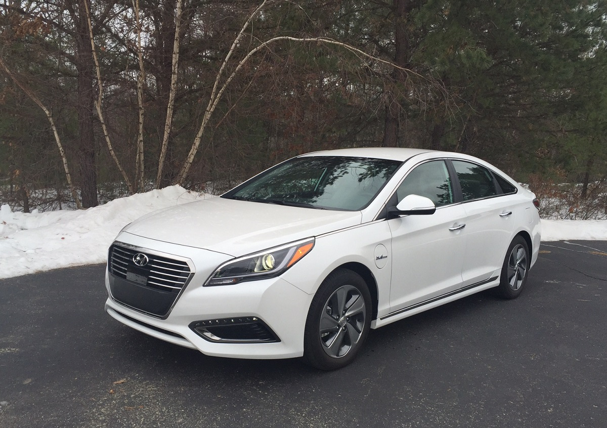 REVIEW: 2016 Hyundai Sonata PlugIn Hybrid Limited – Smooth and