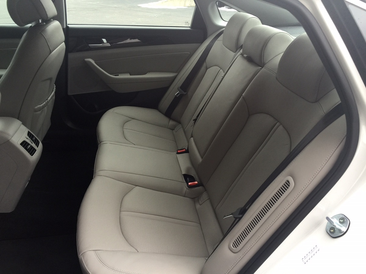2016 Hyundai Sonata Hybrid Plug-In Rear Seats