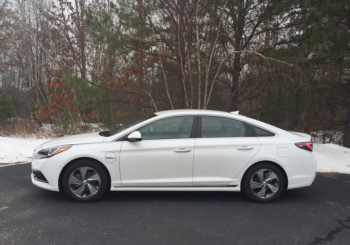 review hyundai sonata plug in hybrid limited bestride. Black Bedroom Furniture Sets. Home Design Ideas