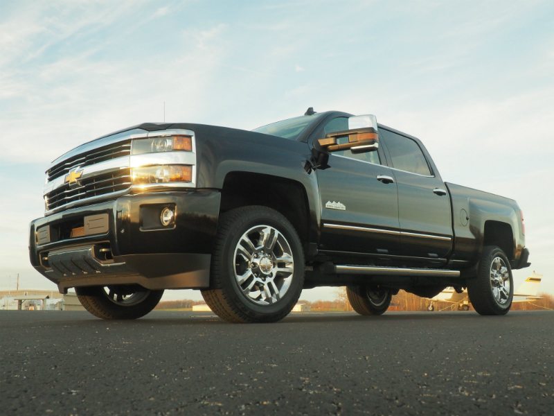 review 2016 chevrolet silverado 2500hd high country duramax bestride. Black Bedroom Furniture Sets. Home Design Ideas