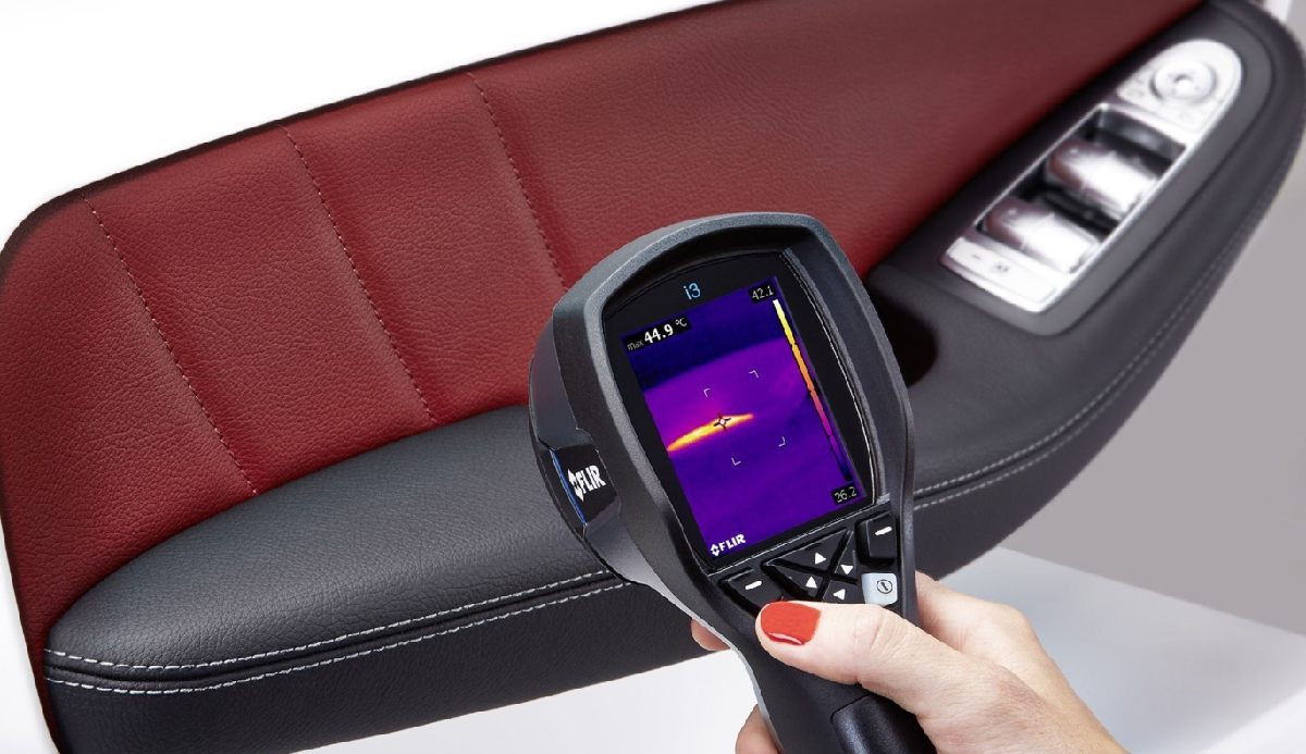 Heated armrest Yanfeng Automotive Interiors.jpg crop