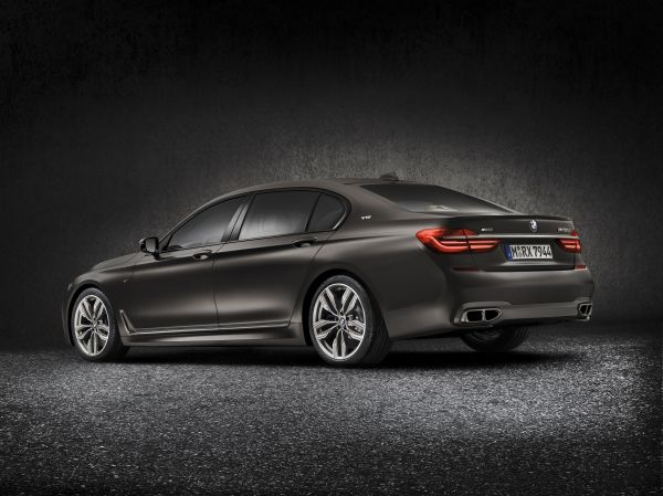 2017 BMW M760i xDrive Rear Quarter
