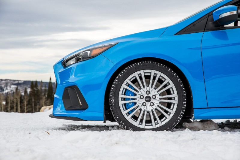 Ford Focus RS Winter Tire & Wheel Package Press Photo