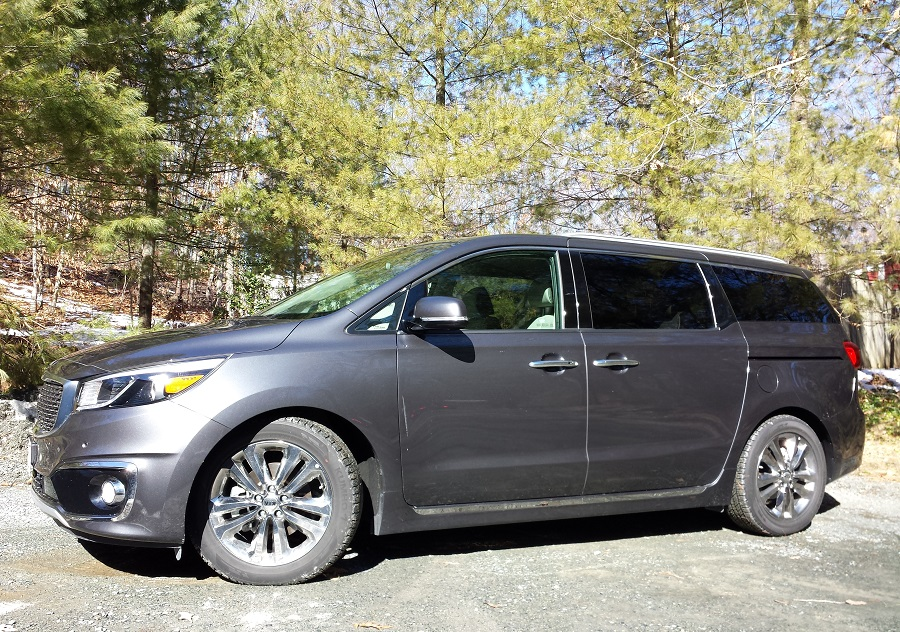 review 2016 kia sedona sxl it 39 s what 39 s inside that counts bestride. Black Bedroom Furniture Sets. Home Design Ideas