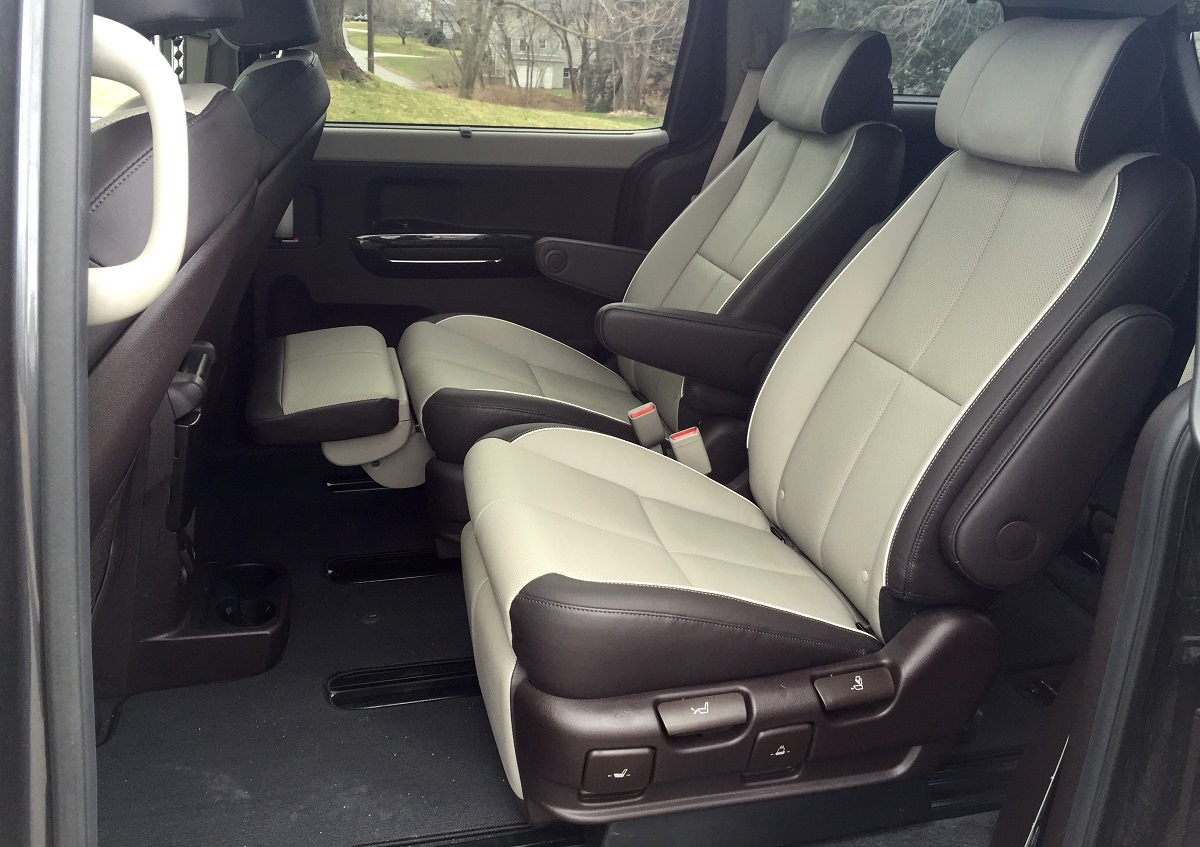 2016 Kia Sedona SXL Rear Seats
