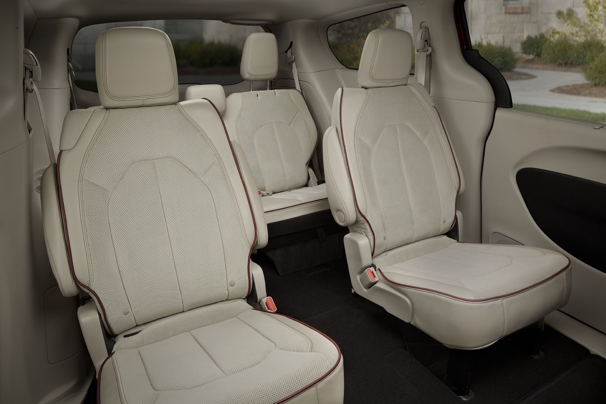 2017 Chrysler Pacifica Seat