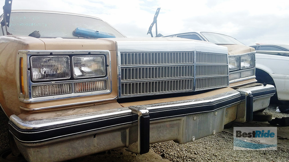 junkyard_1977_buick_regal-7