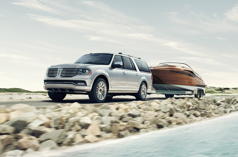 The 2015 Lincoln Navigator has won the Vincentric Best Value in America™ award for Premium Large SUV. Lincoln Navigator offers best-in-class towing capacity of 9,000 pounds, when properly equipped.