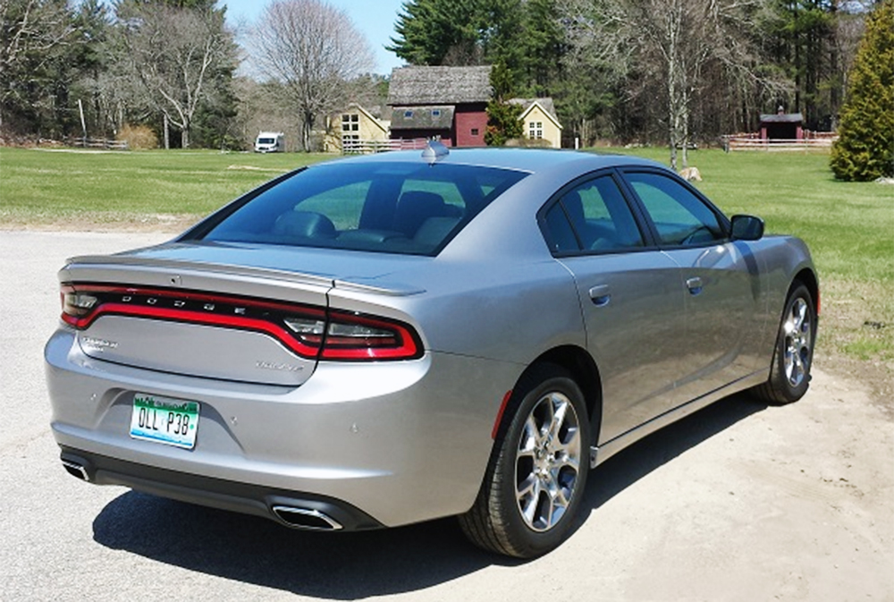 dodge_charger_2016_rear