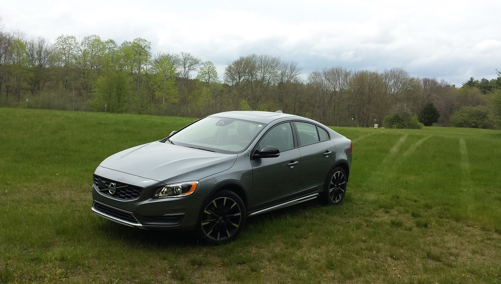 REVIEW: 2016 Volvo S60 Cross Country T5 AWD   Last Of The Go Anywhere  Sedans | BestRide