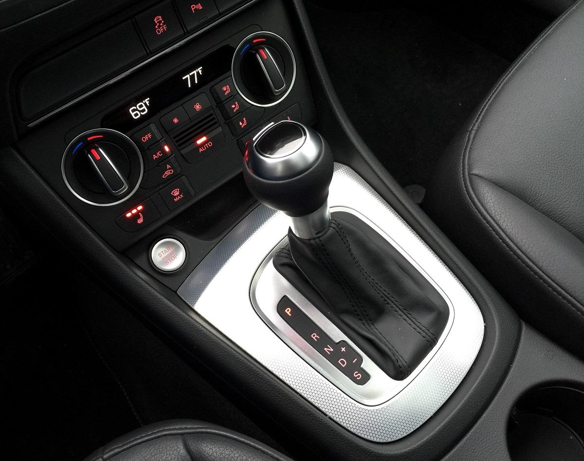 2016 Audi Q3 Shifter