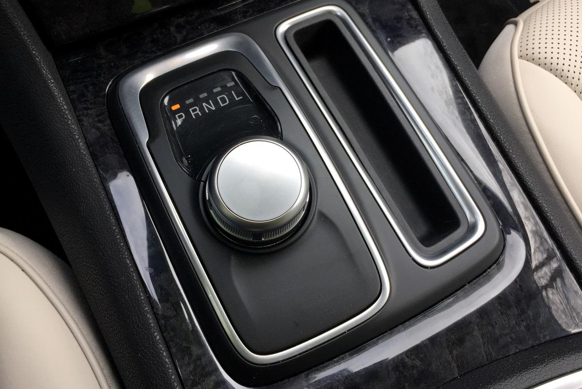 2016 Chrysler 300C Shifter