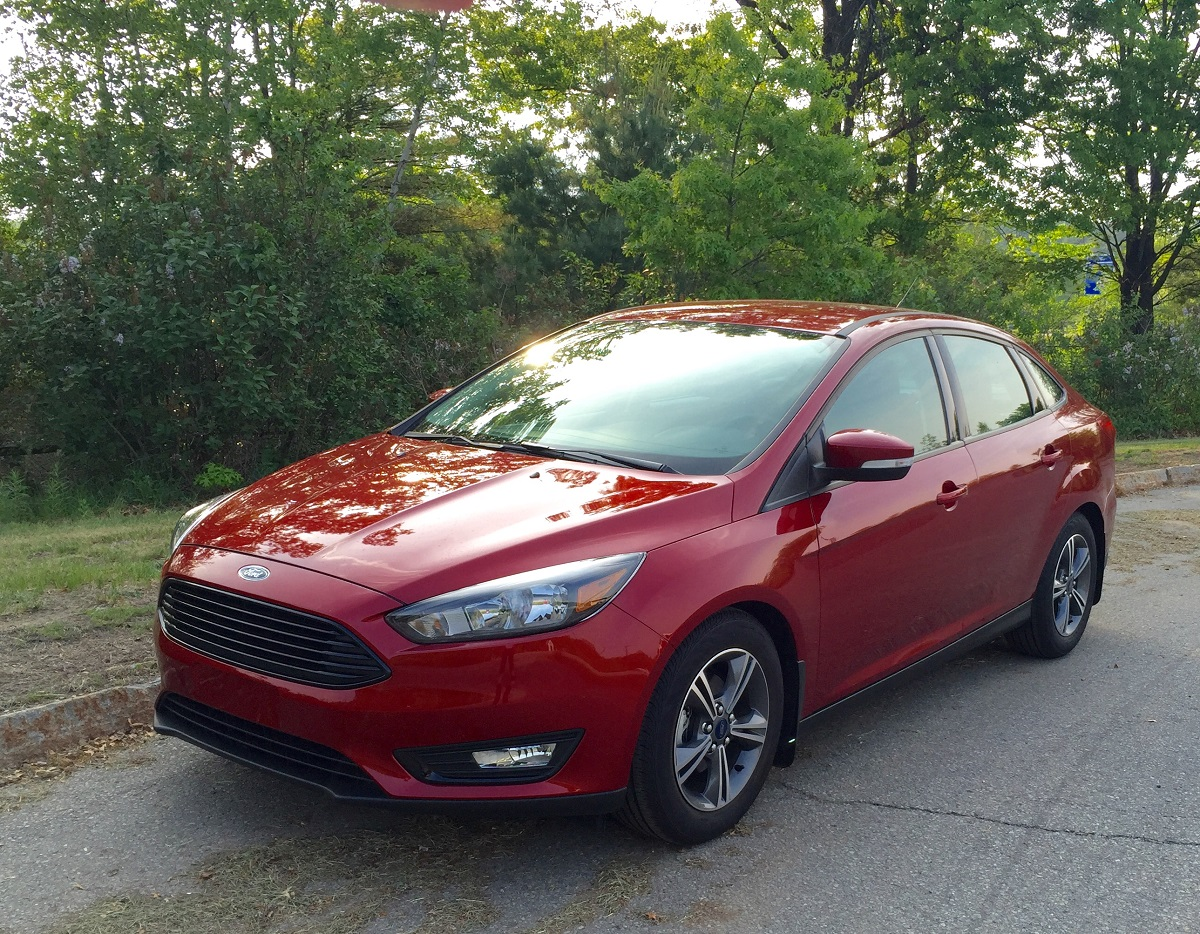 2016 Ford Focus Se Front