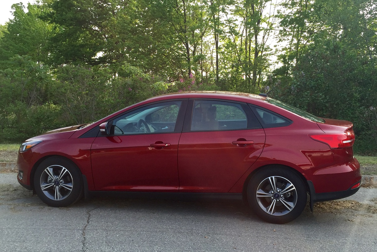 2016 ford focus se profile