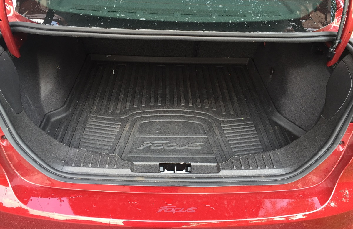 2016 Ford Focus SE Trunk