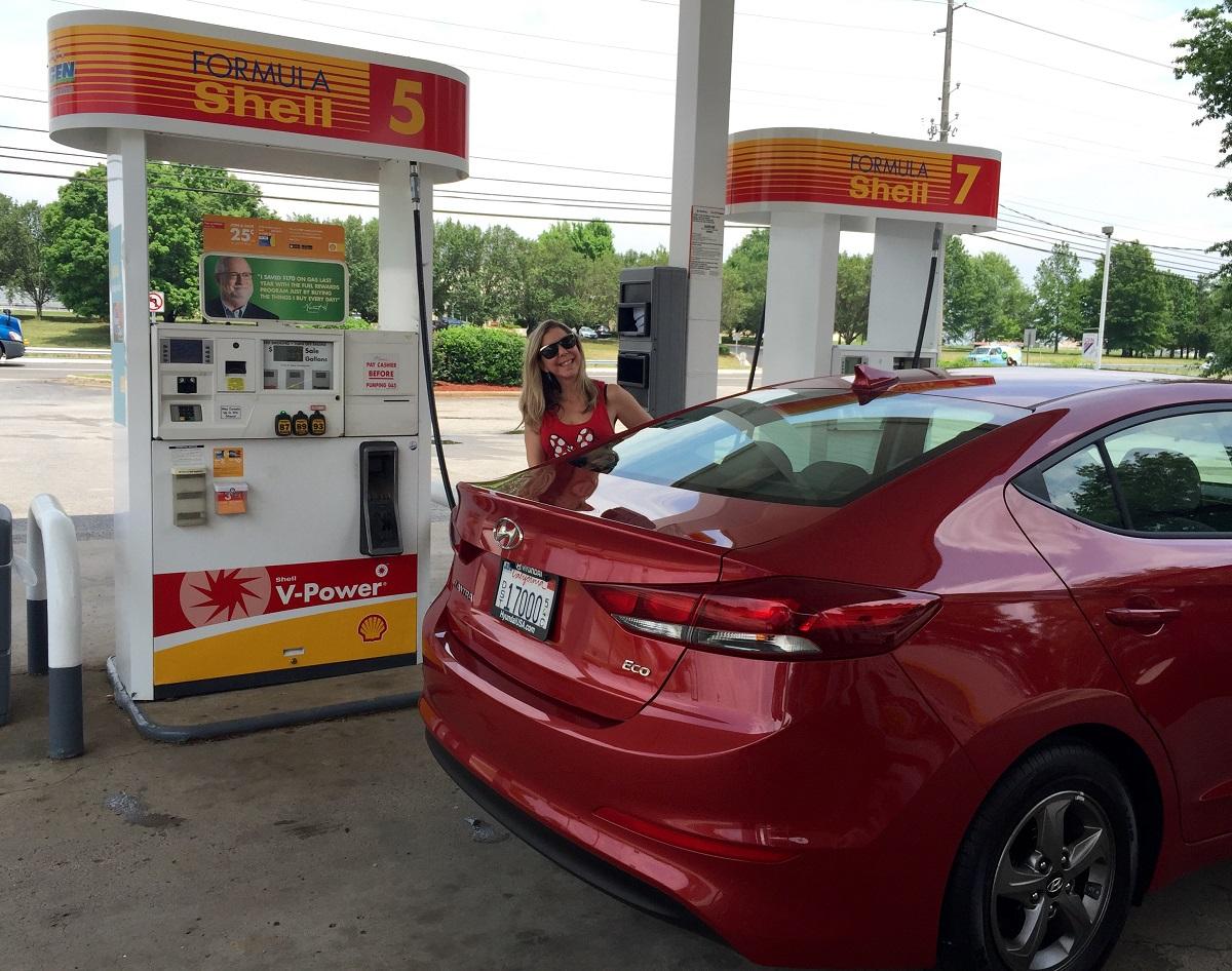2017 Hyundai Elantra Eco Gas Stop