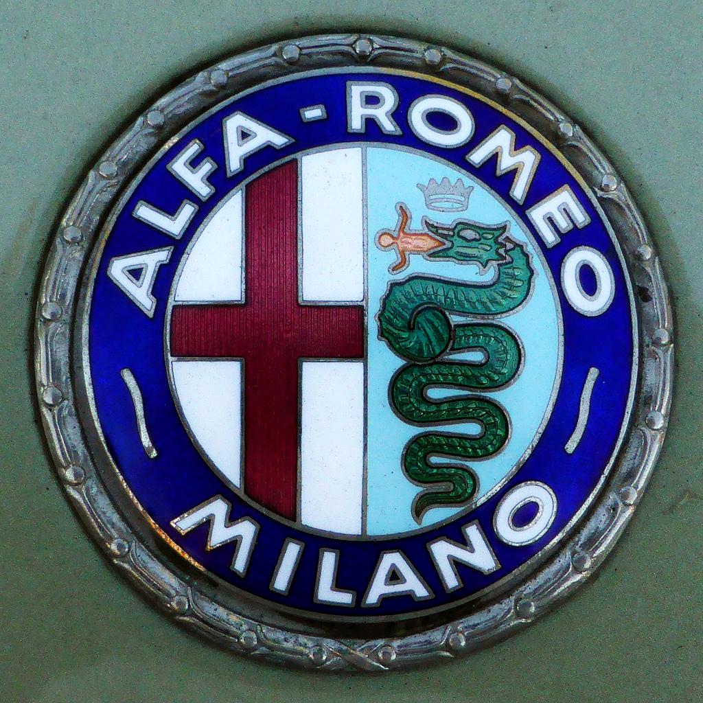 Alfa Romeo Badge Early