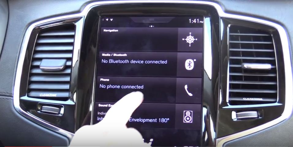 VIDEO: Pairing a Phone and Using the In-Car Tech on the 2016