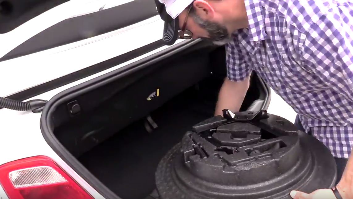 Change a Flat - Repace Tools and Tire