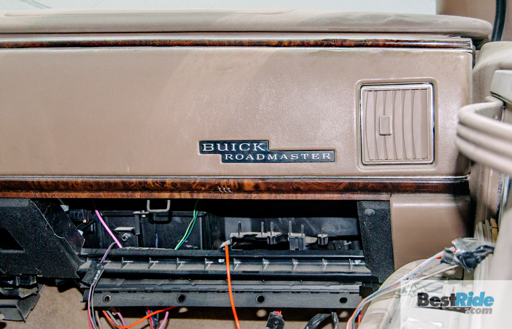 buick_roadmaster_wagon_junkyard_1-8