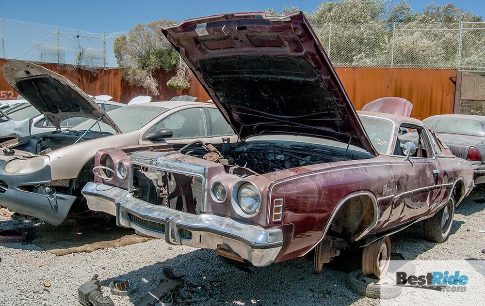 chrysler_cordoba_1977_junkyard-19