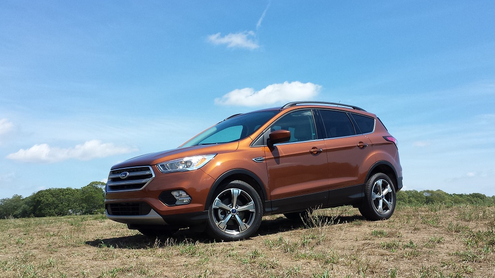 review 2017 ford escape se fwd leading the class in three key ways bestride. Black Bedroom Furniture Sets. Home Design Ideas