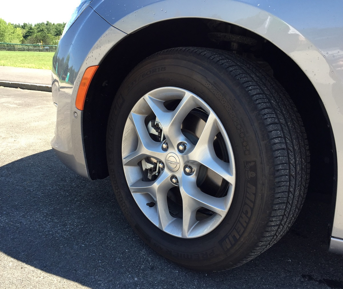 2017 Chrysler Pacifica Front Wheel