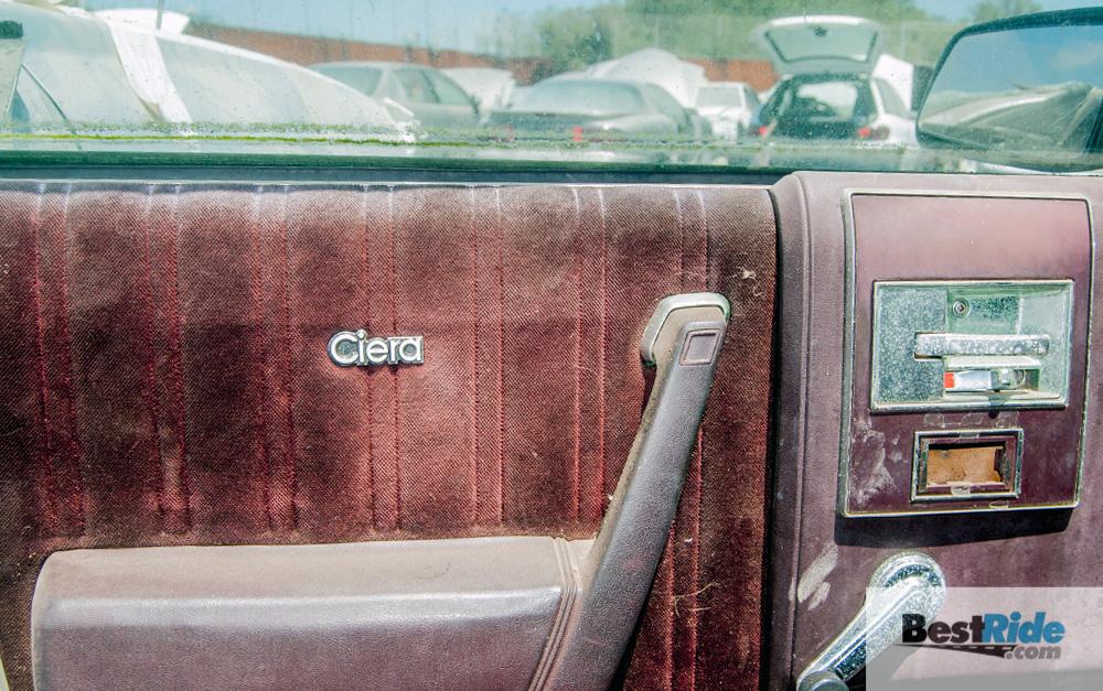 oldsmobile_cutlass_ciera_junkyard_2