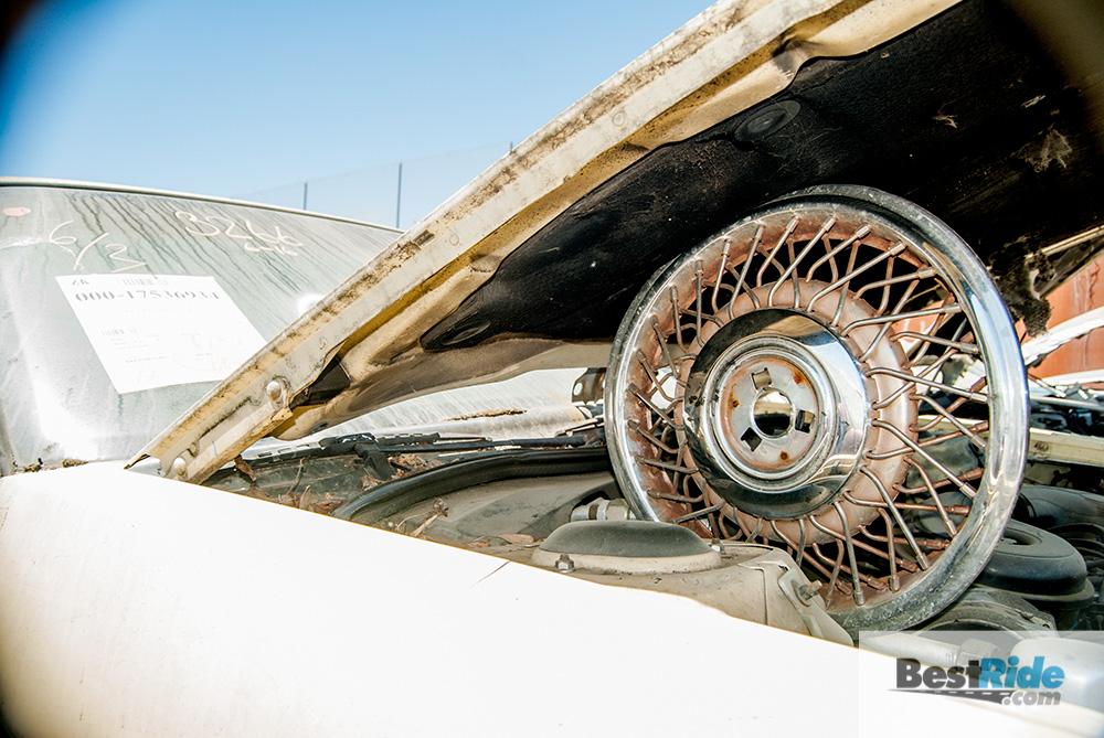 wire_wheel_cover_junkyard