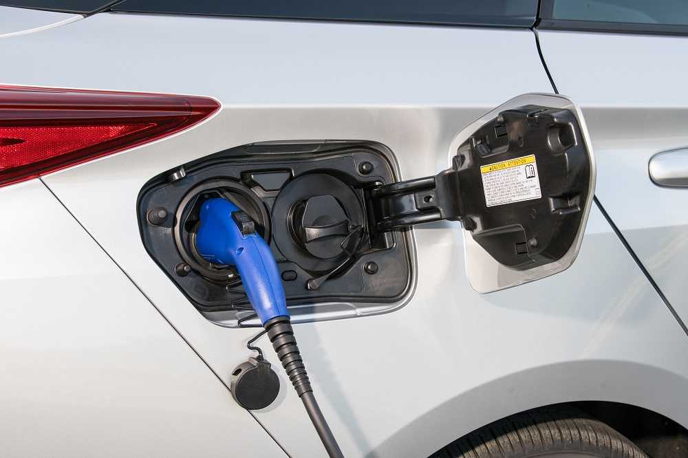 prius-prime-charging