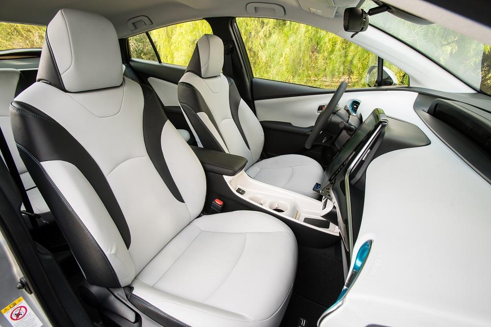 prius-prime-interior