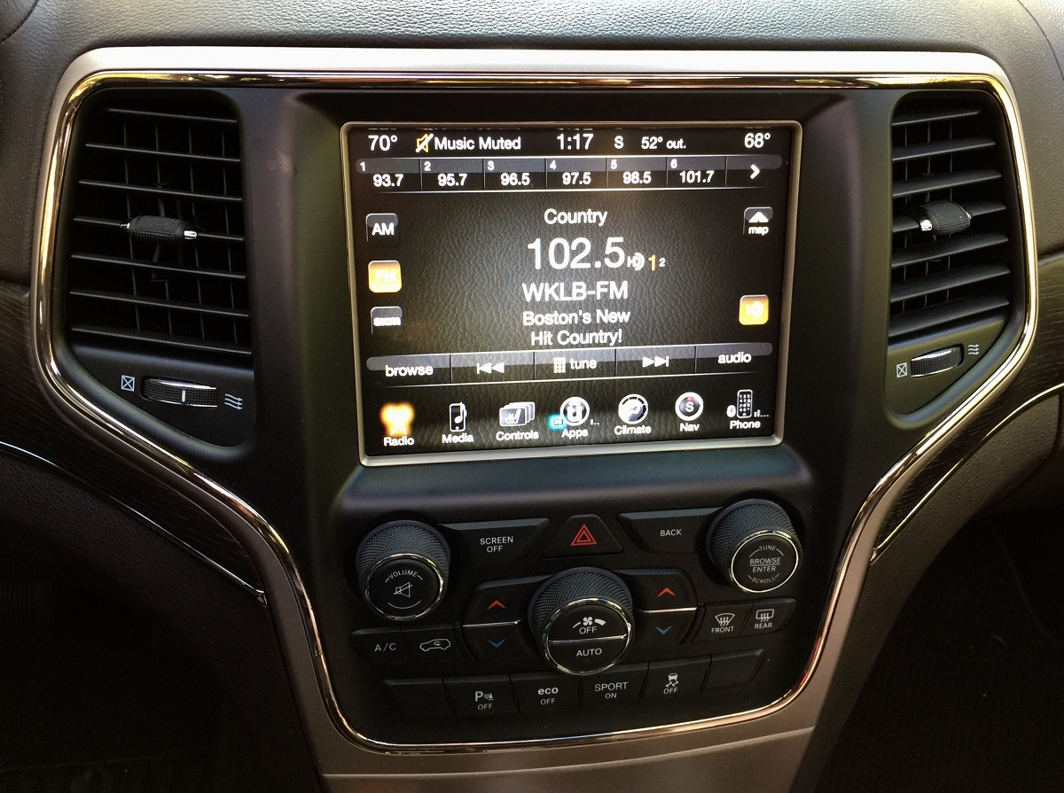 2016-jeep-grand-cherokee-infotainment