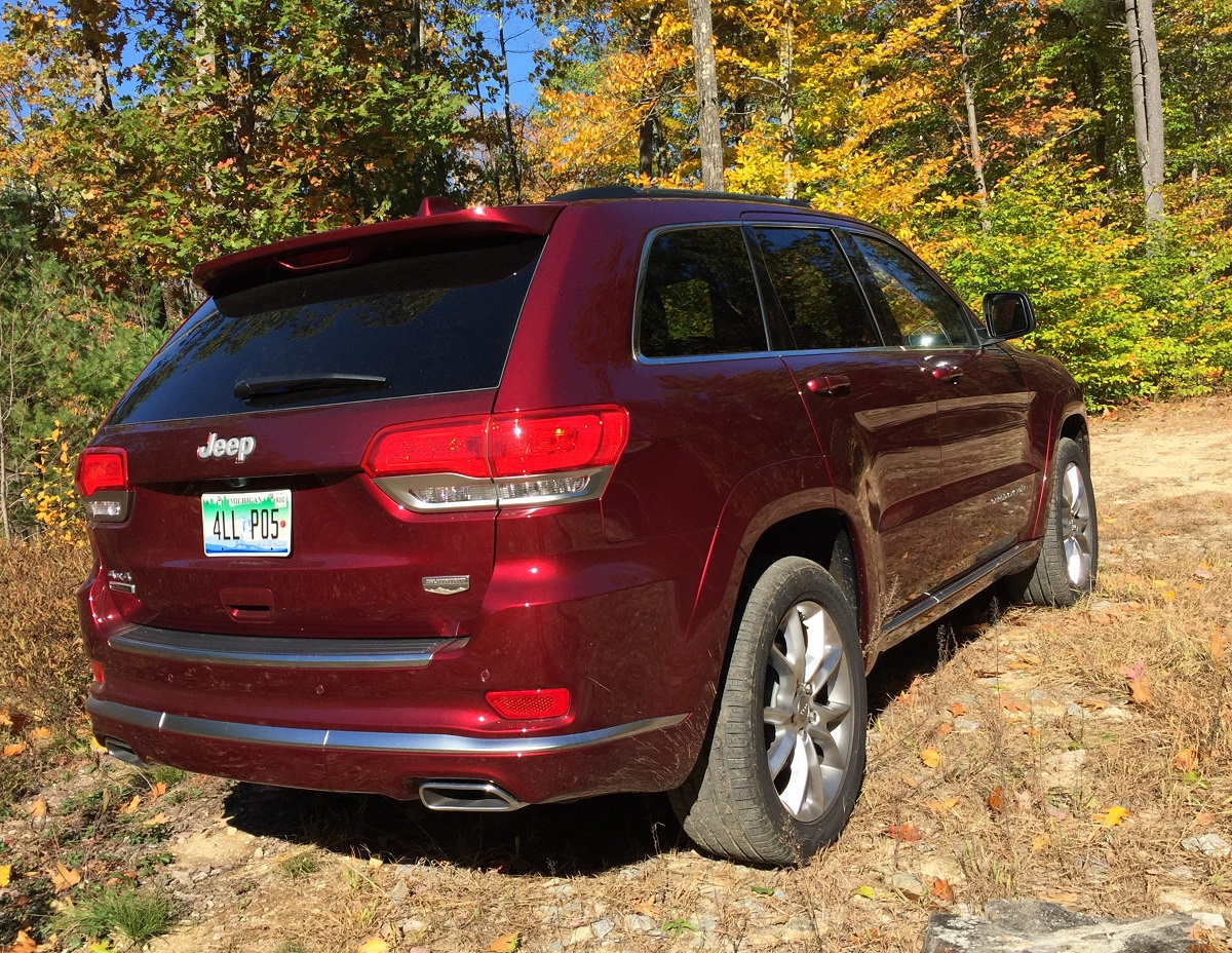 2016-jeep-grand-cherokee-rear