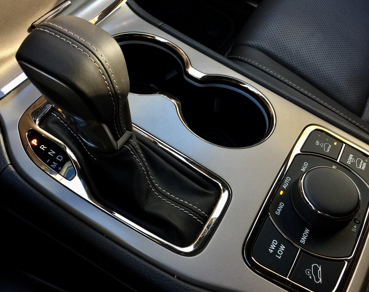 2016-jeep-grand-cherokee-shifter