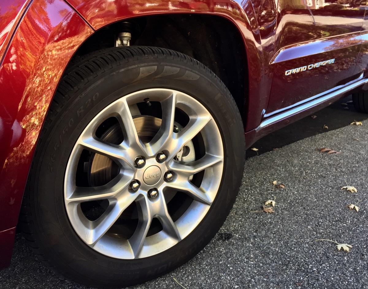 2016-jeep-grand-cherokee-tire