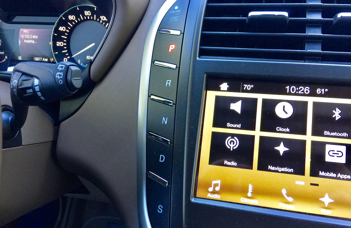 2016-lincoln-mkc-black-label-shifter