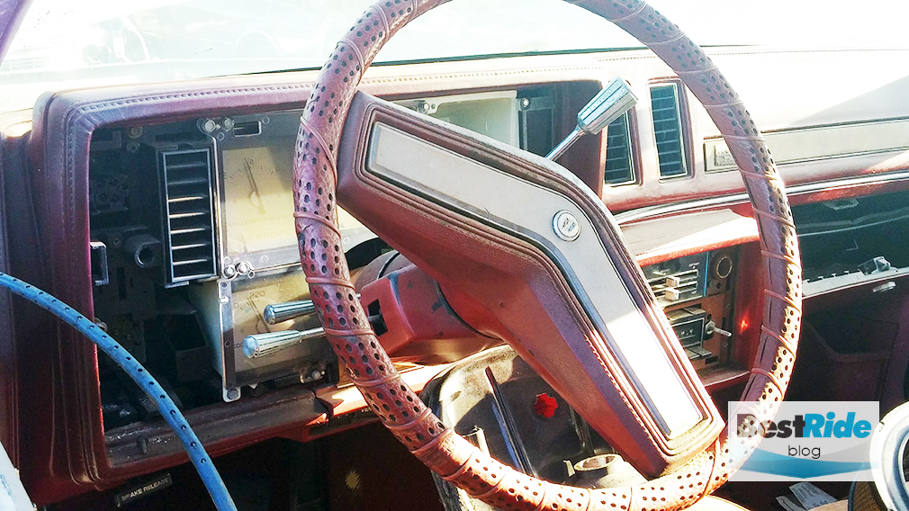 buick_regal_1979_dashboard