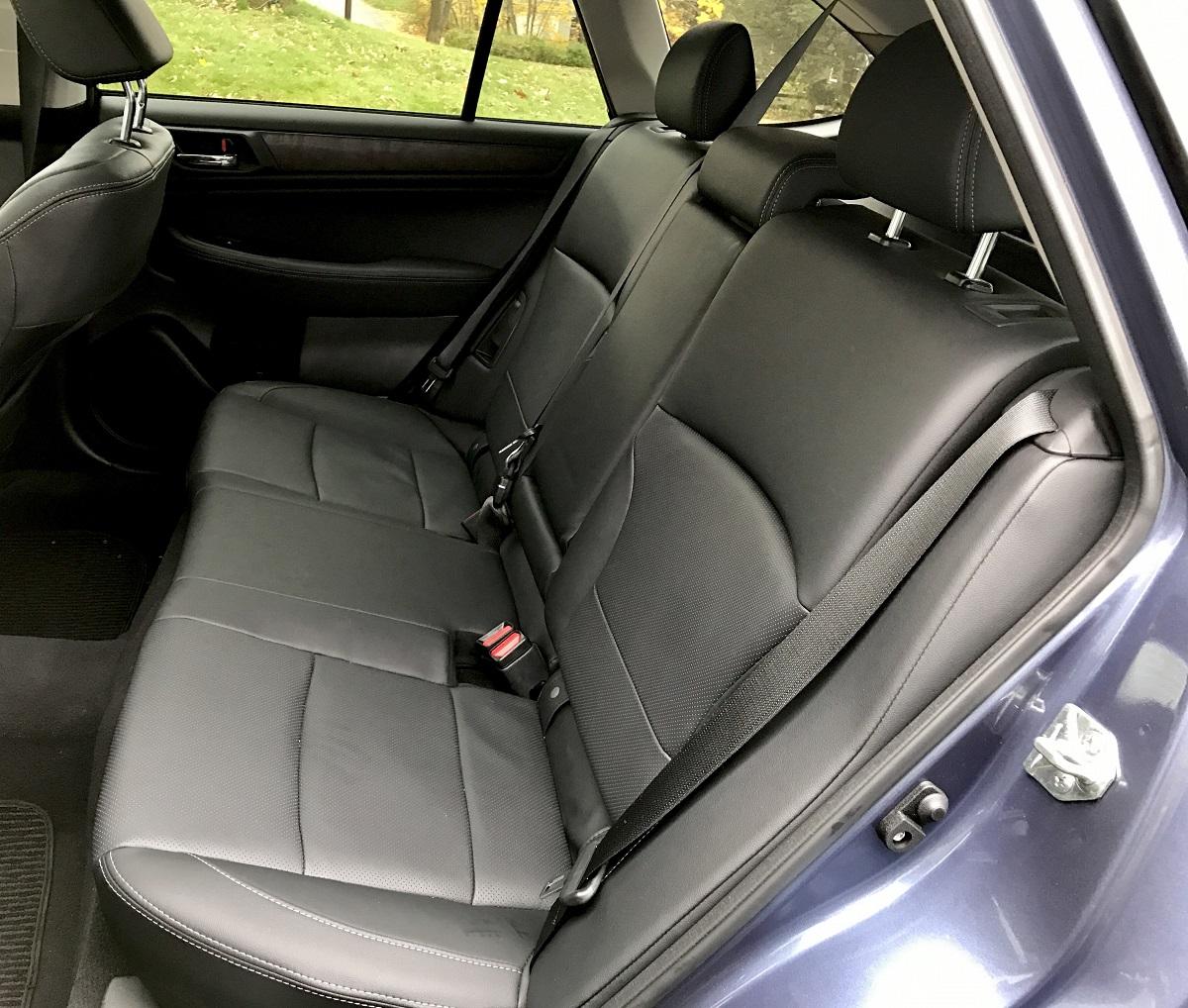 2017-subaru-outback-rear-seats