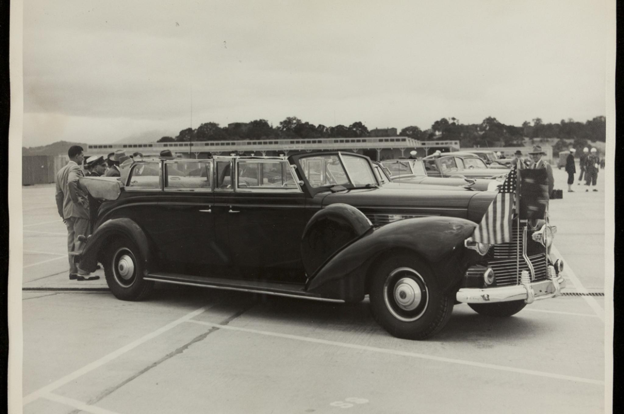 presidential-limousine-sunshine-special-1939-lincoln-roosevelt