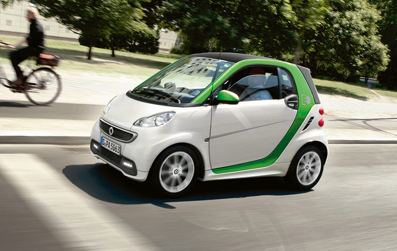 If Youu0027re Looking To Get Behind The Wheel Of A Gasoline Powered Smart Car,  Then Youu0027d Better Act Fast. The Company Announced It Is Discontinuing All  ...