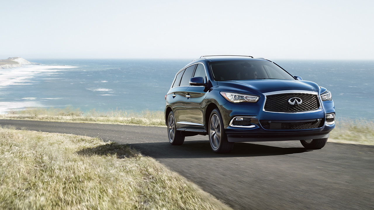 The Infiniti Qx60 Is A Three Row Suv That Combines Luxury Of Brand With Practicality It S Little Bit Ride