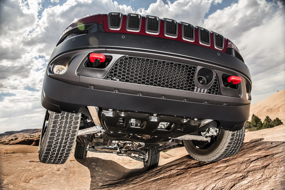 Review 2017 Jeep Cherokee Trailhawk Off Road Prowess On Road Manners Bestride